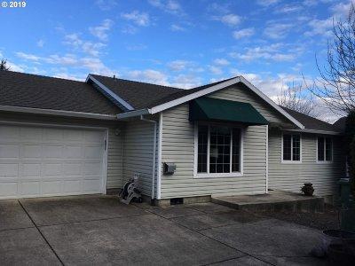 Newberg Single Family Home For Sale: 716 Alexandra Dr