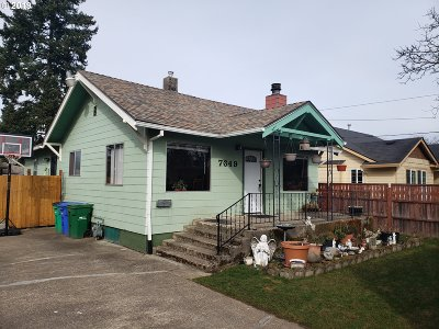 Single Family Home For Sale: 7649 SE Ogden St