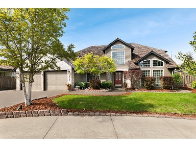 Clackamas Single Family Home For Sale: 12125 SE Solstice Ct