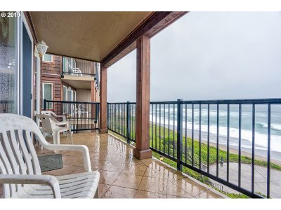 Lincoln City Condo/Townhouse For Sale: 325 Lancer St #35