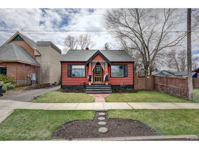 Bend Single Family Home For Sale: 235 SE Urania Ln