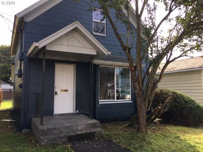Cowlitz County Single Family Home For Sale: 612 Pacific Ave
