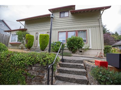 Coquille Single Family Home For Sale: 160 N Irving