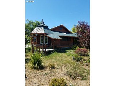 Yoncalla Single Family Home For Sale: 2440 Eagle Valley Rd