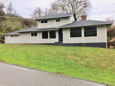 Roseburg Single Family Home For Sale: 450 SE Leland St
