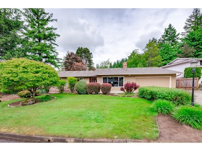 Happy Valley Single Family Home For Sale: 9718 SE Wessex Way
