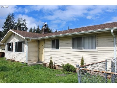 Coos Bay Single Family Home For Sale: 1065 S 8th