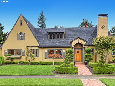 Portland Single Family Home For Sale: 3631 NE 32nd Pl