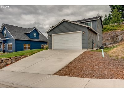 Cowlitz County Single Family Home For Sale: 610 Stone Park