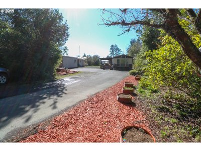 Coos Bay Single Family Home For Sale: 63700 Wallace Rd
