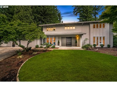 Portland Single Family Home For Sale: 9245 SW Panorama Pl