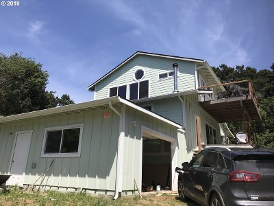Gold Beach Single Family Home For Sale: 33683 Ophir Rd