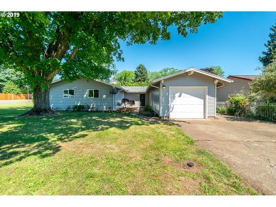 Clackamas County, Columbia County, Jefferson County, Linn County, Marion County, Multnomah County, Polk County, Washington County, Yamhill County Single Family Home For Sale: 4410 Redinger Ct