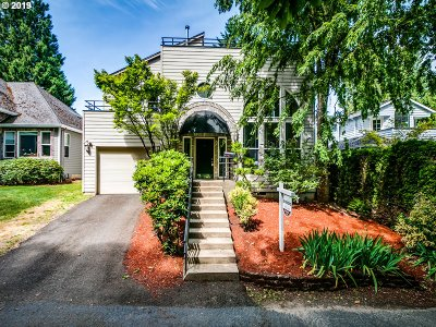 Portland Single Family Home For Sale: 7640 SW Ruby Ter