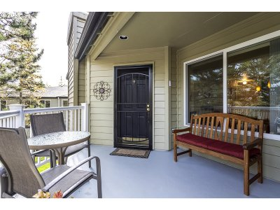 Condo/Townhouse For Sale: 5061 Foothills Dr #G