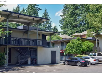 Lake Oswego Condo/Townhouse For Sale: 668 McVey Ave #55