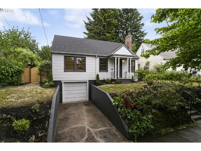 Portland Single Family Home For Sale: 4754 SE 36th Ave