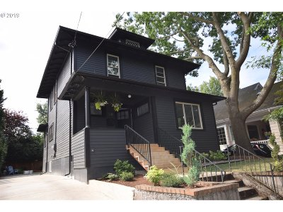Portland Single Family Home For Sale: 58 NE Cook St