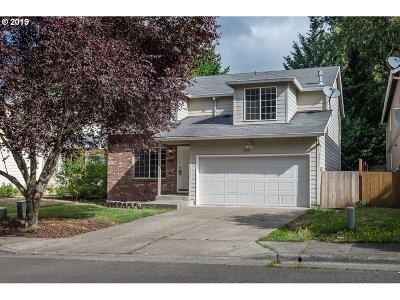 Portland Single Family Home For Sale: 7695 SW Chase Ln