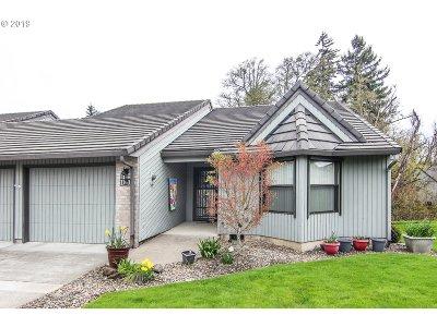 Ridgefield Condo/Townhouse For Sale: 3300 NE 164th St #D-1