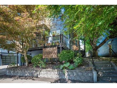 Condo/Townhouse For Sale: 223 NE Ivy St #C