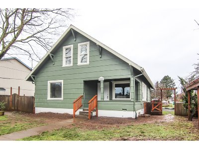 Portland Single Family Home For Sale: 7003 SE 86th Ave