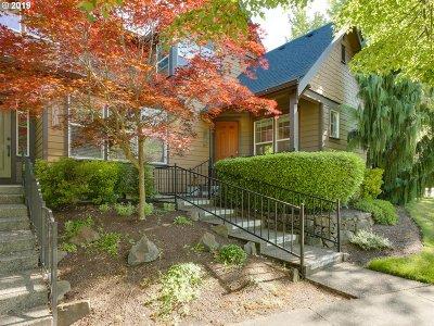 Hillsboro Condo/Townhouse For Sale: 7393 NE Stonewater St