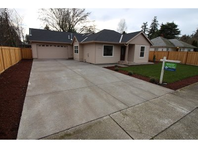 Beaverton Single Family Home For Sale: 12450 SW 7th St