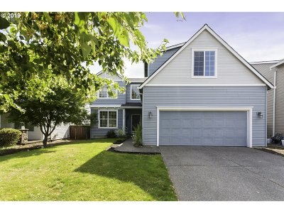 Clackamas County Single Family Home For Sale: 14584 SE Thornapple Ln
