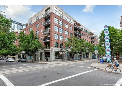 Condo/Townhouse For Sale: 821 NW 11th Ave #213
