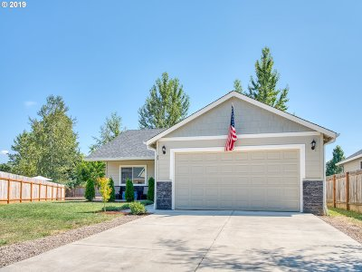 Cottage Grove, Creswell Single Family Home For Sale: 35 Almond Way