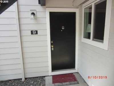 Beaverton, Aloha Condo/Townhouse For Sale: 5476 SW Alger Ave #9