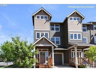 Sandy Single Family Home For Sale: 37803 Killarney St