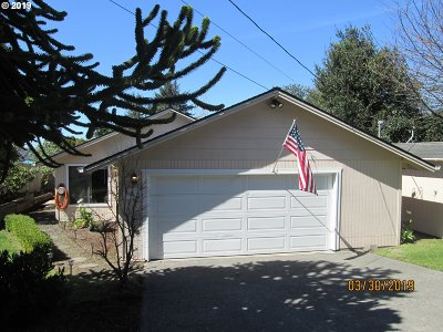 Coos Bay Single Family Home For Sale: 420 S Cammann