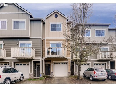 Beaverton Condo/Townhouse For Sale: 18405 SW Stepping Stone Dr #42