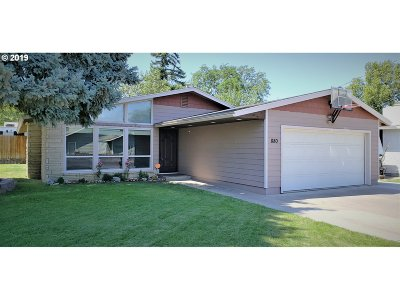 Hermiston Single Family Home For Sale: 880 SW 10th St