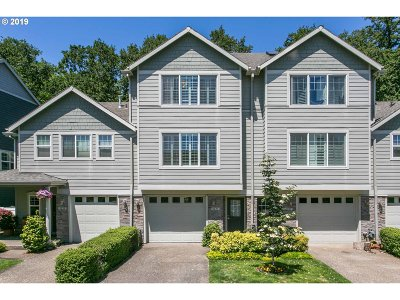 Tualatin Single Family Home For Sale: 9231 SW Sweek Dr