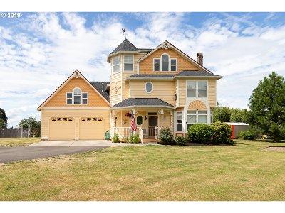 Molalla Single Family Home For Sale: 685 Lakota Ln