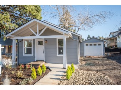 Eugene Single Family Home For Sale: 2843 Adams St
