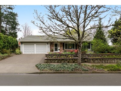 Beaverton Single Family Home For Sale: 13910 SW Harness Ln