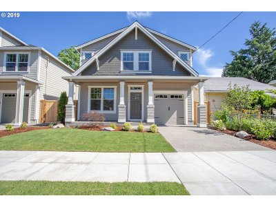 Single Family Home For Sale: 7025 SE Cora St