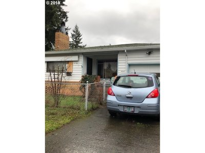 Clackamas County, Multnomah County, Washington County, Clark County, Cowlitz County Single Family Home For Sale: 4816 SE 75th Ave