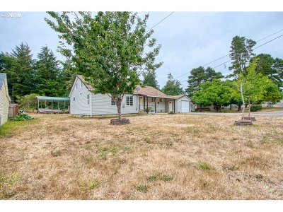 Coos Bay Single Family Home For Sale: 654 N Morrison
