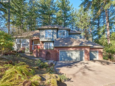 Lake Oswego Single Family Home For Sale: 1961 Summit Dr