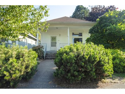 Portland Single Family Home For Sale: 7022 SE Mitchell St