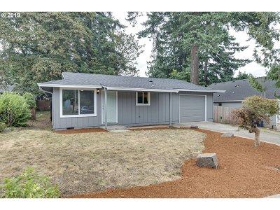 Estacada Single Family Home For Sale: 410 SW Ivy Rd
