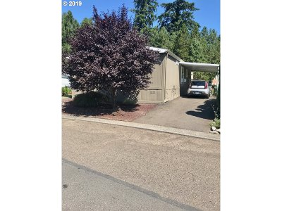 Milwaukie, Gladstone Single Family Home For Sale: 10400 SE Cook Ct #150