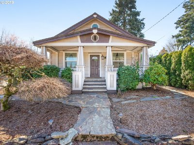 Milwaukie Single Family Home For Sale: 3740 SE King Rd
