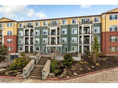 Condo/Townhouse For Sale: 196 SE Spokane St #310