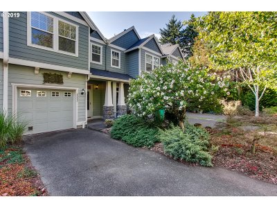 Portland Single Family Home For Sale: 2303 SE 76th Ave